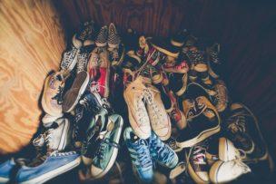あふれかえる靴