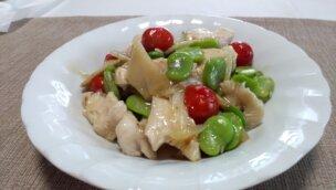 そら豆と鶏ささ身の中華炒め