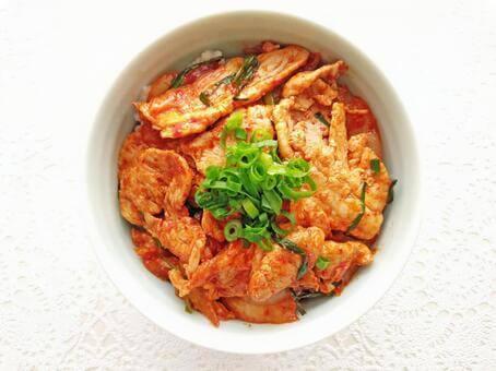 豚肉とキムチの腸活丼